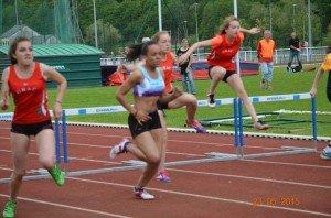 Justine Championne Inter régionale 200 haies et Nouveau record des Ardennes !!